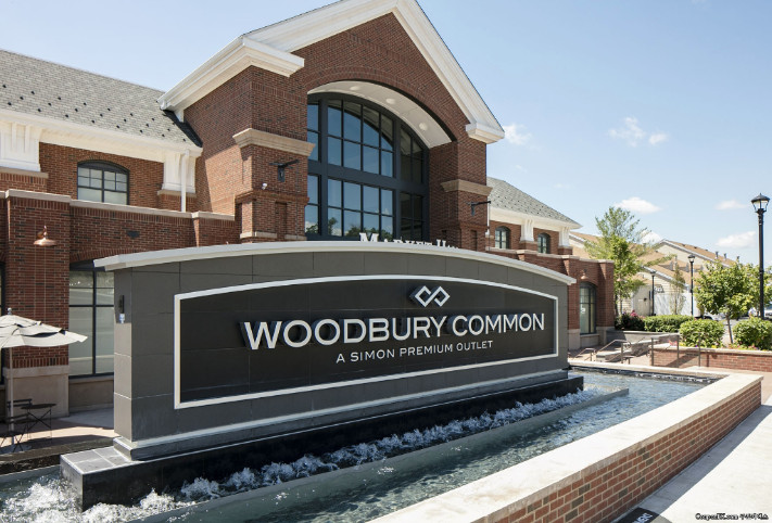 woodbury-common-outlet.jpg